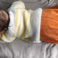 Je débute au tricot #3: les côtes 2/2 ou tricoter un pull bébé simplissime